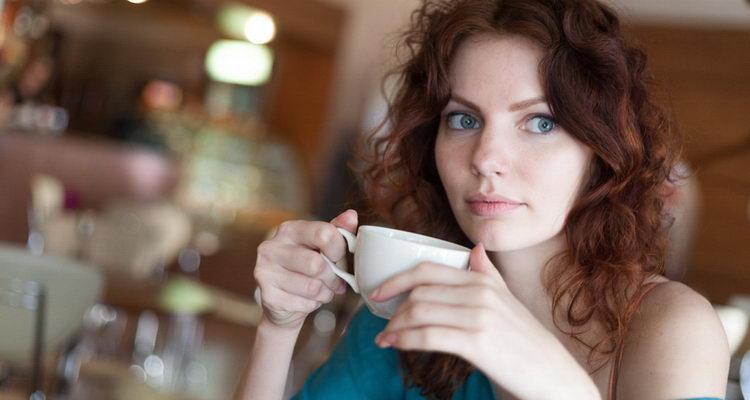 כמה קפאין הוא באמת בכוס קפה?